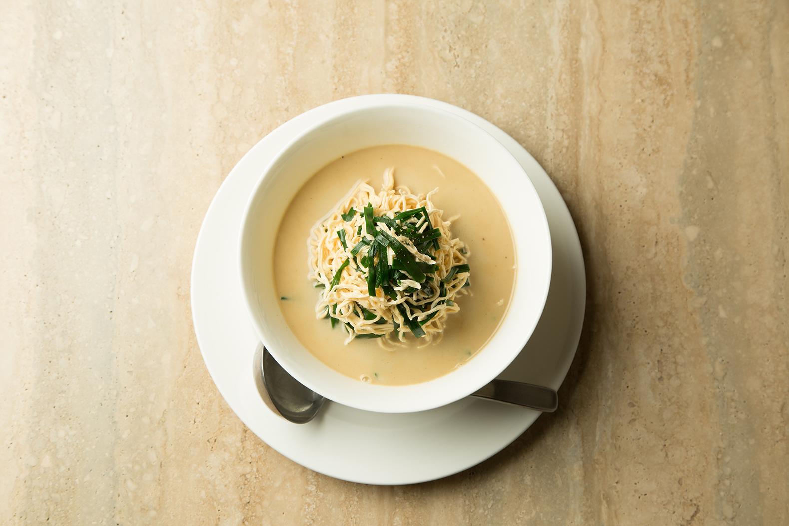 100%大豆の豆腐麺&鯛オンリーの白濁スープ!今宵の〆はギルティーフリー!