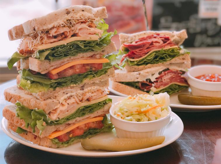 開いた口が塞がらない!都内最高の激厚サンドイッチを探せの画像