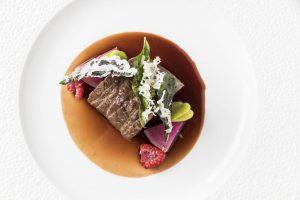 牛肉の常識を覆す、銀座レカンの総料理長 高良シェフの挑戦の画像