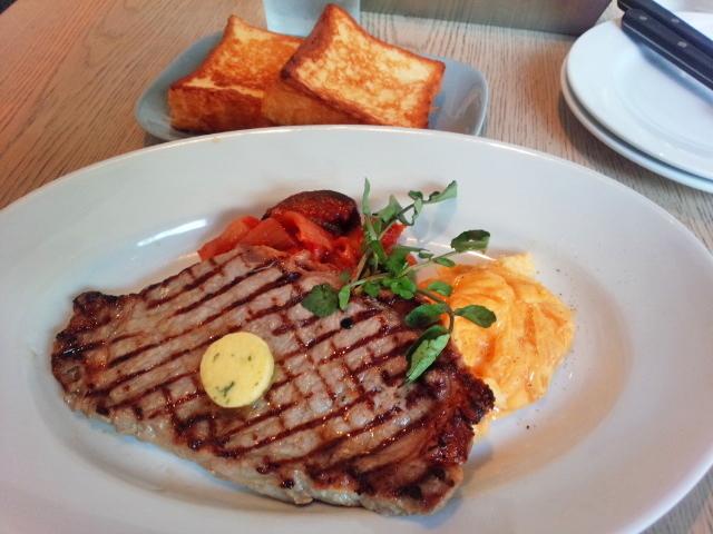 パワーウーマンはやっぱり肉!『プラダを着た悪魔』のマンハッタン流ステーキの画像