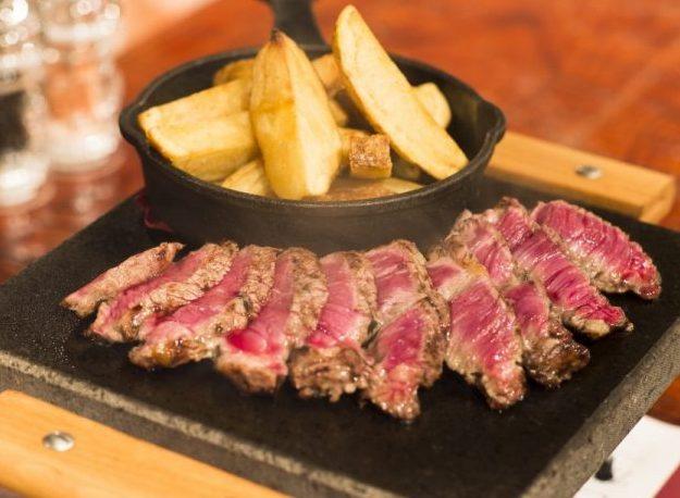 フランス牛のヘルシーな旨みって?神楽坂の肉ビストロで赤身肉の個性に迫るの画像