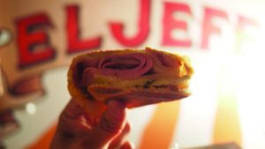 食欲が止まらない!映画『シェフ 三ツ星フードトラック始めました』のキューバサンドイッチの画像