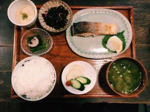 〈定食のススメ〉人生最後に食べたい鮭がここにある!代田橋「しゃけ小島」鮭定食の画像