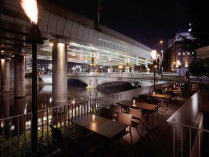 水辺のレストランが呼んでいる!レトロ風情あふれる日本橋で、秋風と美食を楽しむの画像