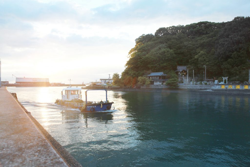 〈旅と写真とゴハンと〉気鋭のフォトグラファーが見つけた、松山のうどん&地酒があるシーンの画像