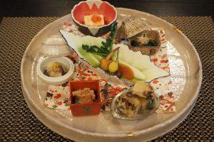 〈占い〉女神が指南!「9月の新月は丁寧に作られた見た目のきれいな料理で運気をアップ」の画像