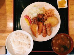 〈定食のススメSP〉サクサク、ジュワ〜の揚げたてを食べたい!地味ウマ「ミックスフライ」の名店3選の画像