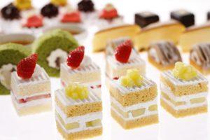 話題のスーパーメロンショートケーキも食べ放題!サンドウィッチ&スイーツビュッフェに秋メニュー登場の画像