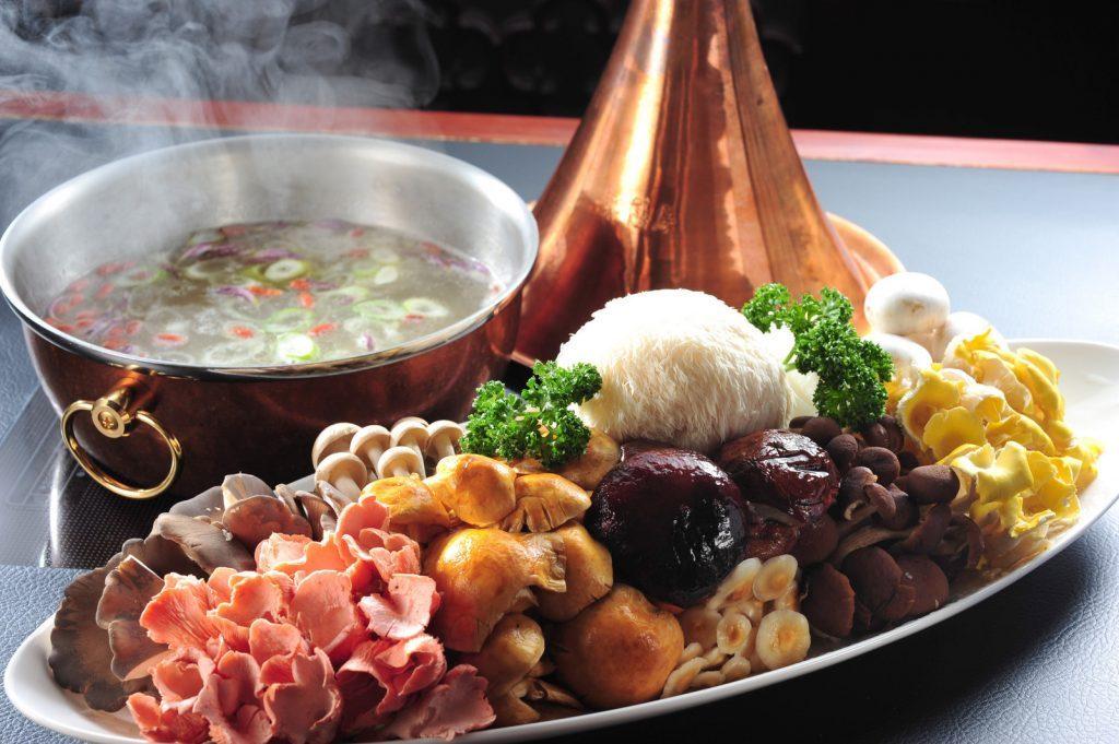 〈占い〉11月4日の満月は「蟹」と「きのこ」をじっくり味わって運気アップ!の画像