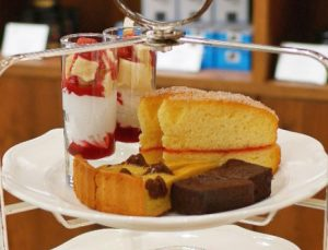 イギリスにも、うまいものアリ!映画『カレンダー・ガールズ』のスポンジケーキが食べたいの画像