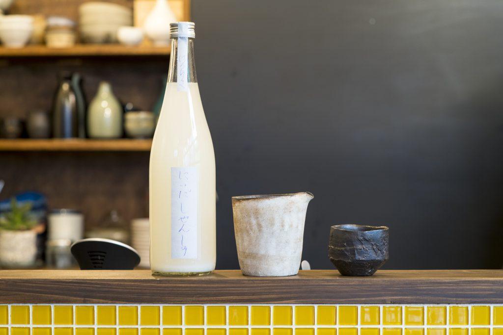 """""""奥目黒""""で日本酒通になれる、噂の日本酒専門バーの画像"""