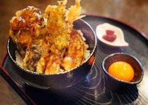 青森駅前で食べる、隠れ名物「あぶり天丼」の画像
