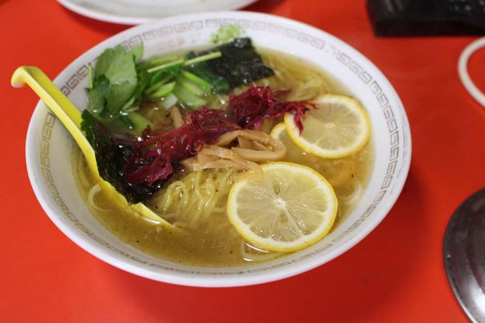 〈発明レストラン〉海新山のコラーゲン入りラーメンと餃子は「発明品」だの画像
