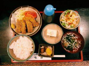 〈定食のススメ〉大崎で30年!カリッ!トロッ!ジュワッ!アジに圧勝のいわしフライ定食の画像