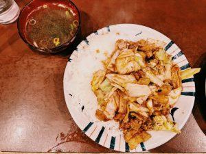 〈定食のススメ〉春、キャベツがうまい!毎日100食「えぞ松」伝説の「ぶっかけホイコーロ」の画像