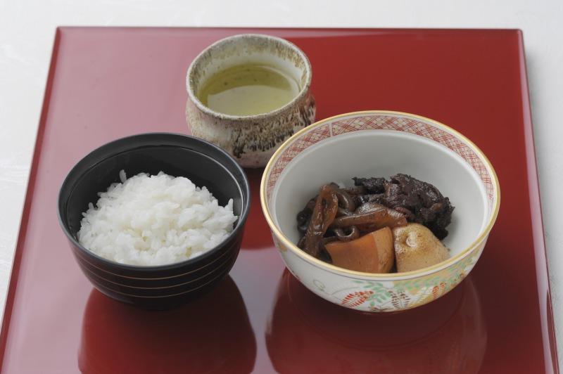 """〈発明レストラン〉愛すべきおかず""""肉じゃが""""は、日本人の発明魂の結晶だったの画像"""