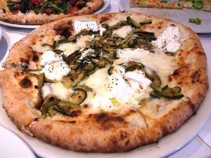 ピザ百名店、前菜からデザートまでコースで食べるべき名店!の画像