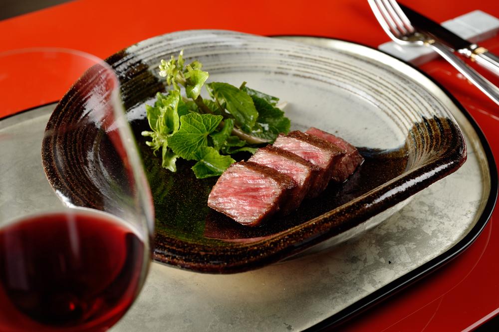 ここぞという日に行きたい!鉄板料理と割烹の極上牛レストランの画像