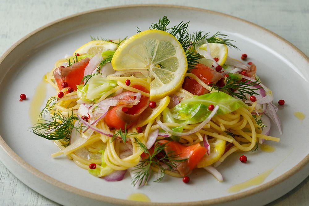 野菜好きも野菜不足も大注目!旬野菜たっぷりのサラダカフェの画像