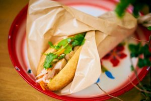 一口食べたら恋に落ちる!?元住吉発、ベトナムサンドイッチの専門店の画像