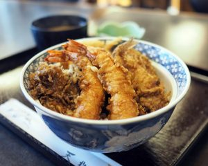 日本橋室町で天丼を食べながら、日本のエスタブリッシュメントについて考えたの画像