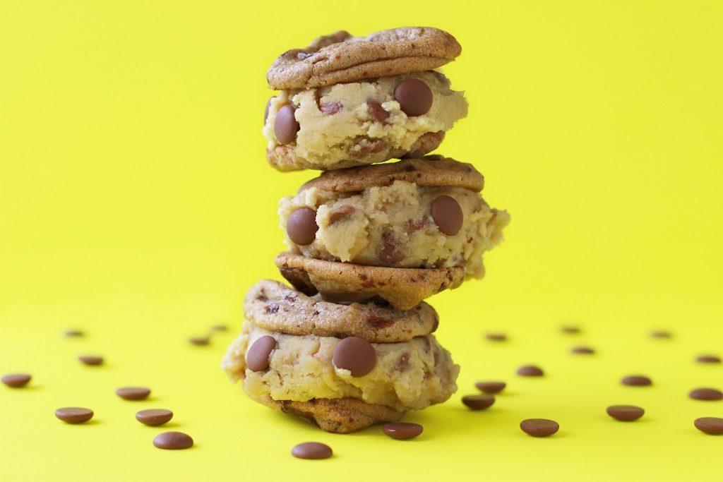 """日本初上陸!アメリカで大人気の新スイーツ""""焼かないクッキー""""って?の画像"""