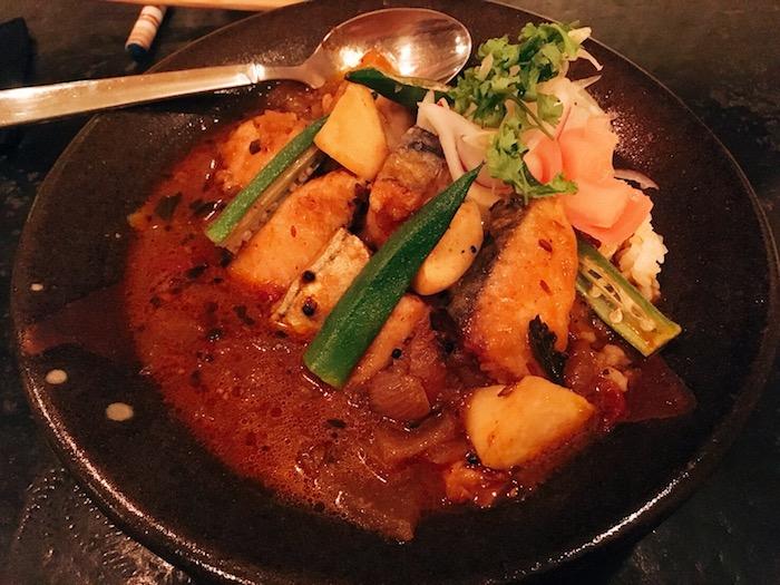 もんじゃタウンはカレーも美味。月島の路地裏で出会った鰆と夏野菜のカレーの画像