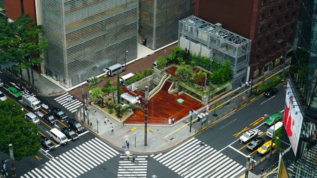 """銀座の真ん中に""""公園""""が誕生。大人の遊び場「Ginza Sony Park」が開園の画像"""