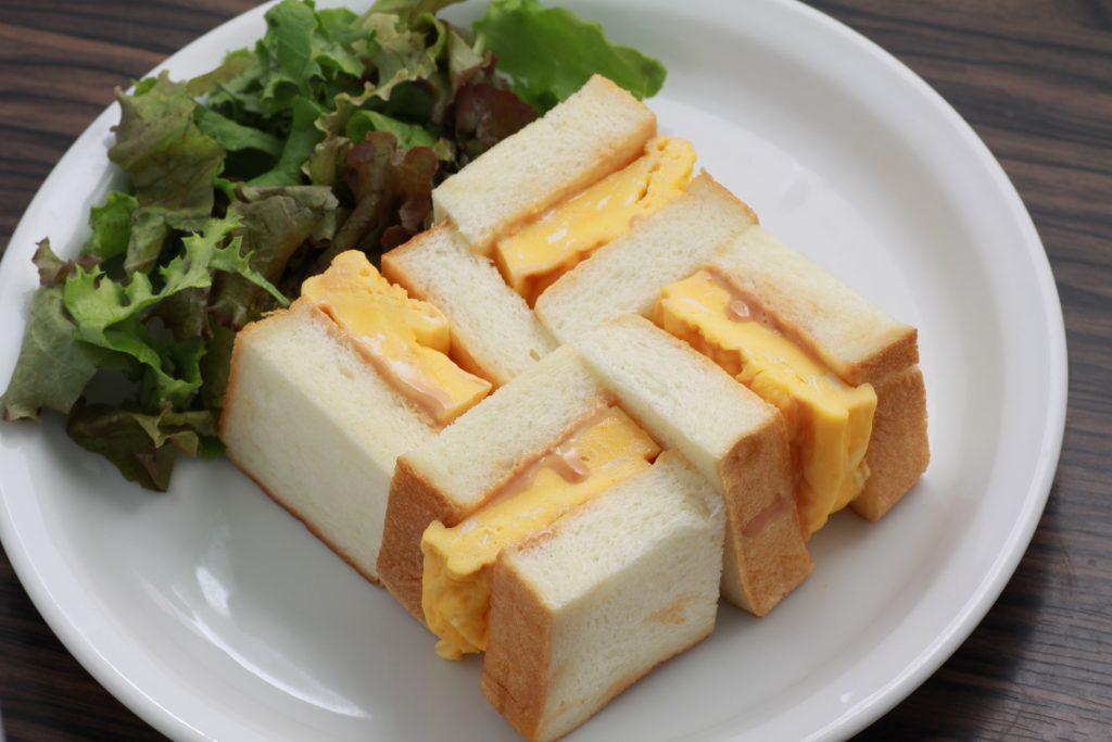 香川県・小豆島のオリーブ畑に、「オリーブオイル×生食パン」カフェが誕生の画像
