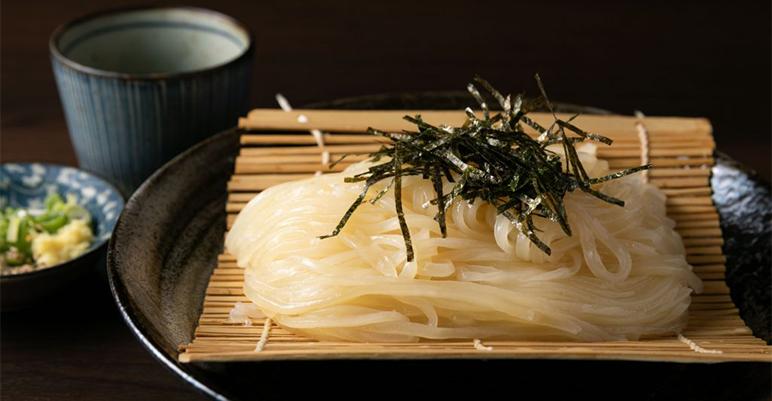 透き通る麺の正体は?                                              躍進中の「豊前うどん」に見る、                                              東京うどんシーン