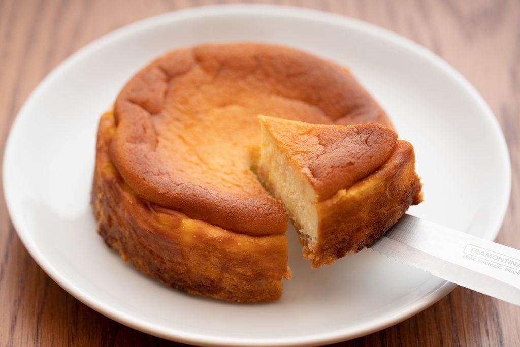 ファン待望!あのコーヒーショップが人気チーズケーキのテイクアウトをスタートの画像