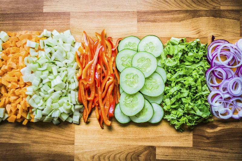 〈食べペディア 44〉チョップドサラダの画像