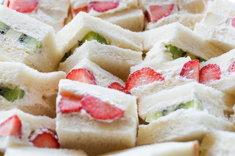 〈食べペディア 77〉フルーツサンドの画像