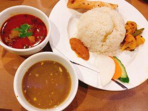 〈今週のカレー〉ネパール最大のお祭り真っ最中!今こそ食べたいネパール定食の画像