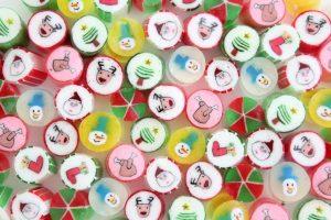 七面鳥の中から出てくるのは…キャンディ!?注目のクリスマススイーツの画像