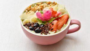 スーパーフードたっぷり!人気ハワイアンカフェに「抹茶グリーンボウル」が新登場の画像