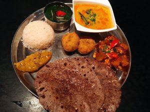 〈今週のカレー〉あの肉体派俳優もハートを撃ち抜かれた荒川の北インド料理店の画像
