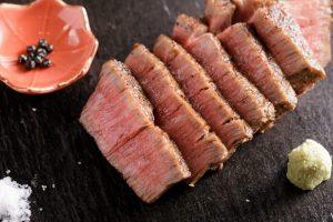 15歳から焼肉一筋の店主が惚れ込んだ肉を、驚きのコストパフォーマンスでの画像