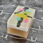 近代日本画に縁が深い「笹屋守栄」の和菓子は、掛紙や化粧箱まで美しくの画像