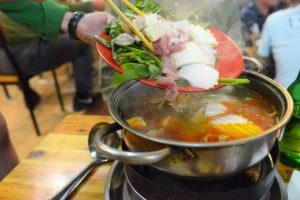 〈食べペディア 134〉異国鍋の画像