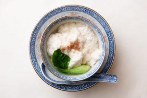 これが鶏肉……?ふわふわの具の旨みに心酔する、四川の古典スープの画像