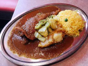 〈今週のカレー〉創業70周年!日本最古のインド料理店で味わう古き良き名物カレーの画像