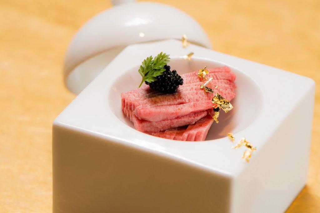 新感覚焼肉店「うしみつ」オープン2周年!期間限定の特別コースの画像