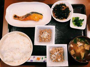 〈定食のススメ〉納豆9種類が食べ放題!昭和36年の老舗「せんだい屋」の納豆定食の画像