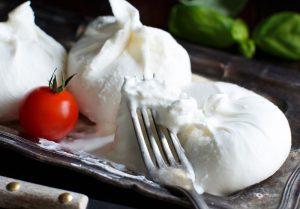 〈食べペディア 200〉ブッラータチーズの画像