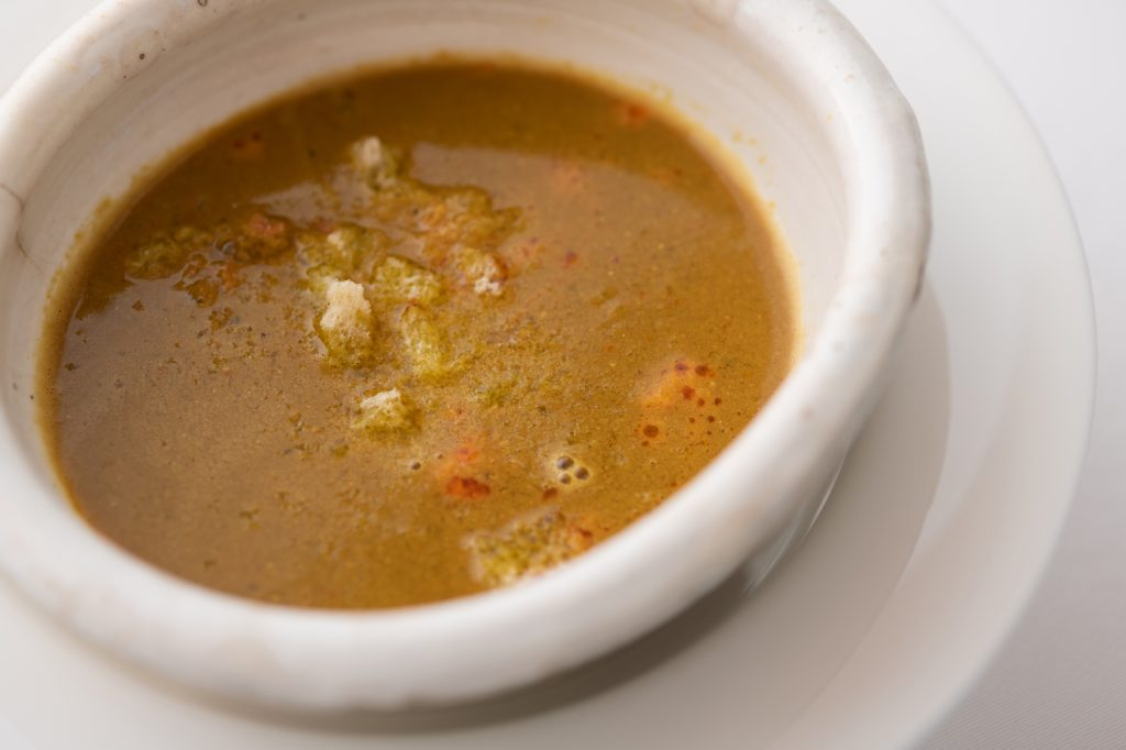 見た目とは裏腹に、一度食べたら忘れられない特別なスープの画像