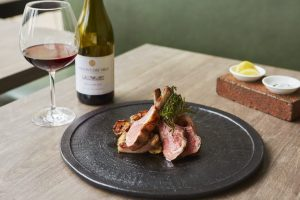 銀座でお酒とのマリアージュを楽しむ、世界の肉料理5選の画像