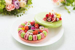 まるでお花畑! マカロン&フルーツがぎっしり詰まったプレミアムスイーツが登場の画像