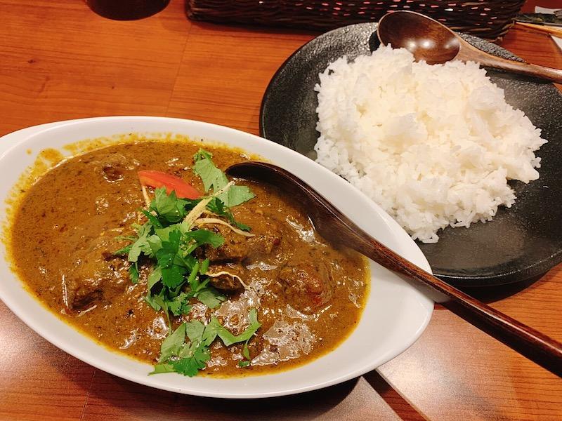 〈今週のカレー〉予約必至になる前にGO! 人気店出身シェフが手がけるインドカレー店が新宿に誕生の画像