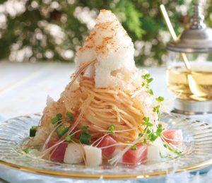 パスタの上にかき氷! 今すぐ食べたい夏限定「スノーアイスパスタ」の画像
